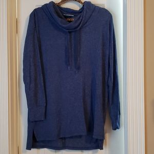M maternity pullover